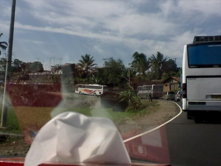 antrian kendaraan saat menuju Ciamis